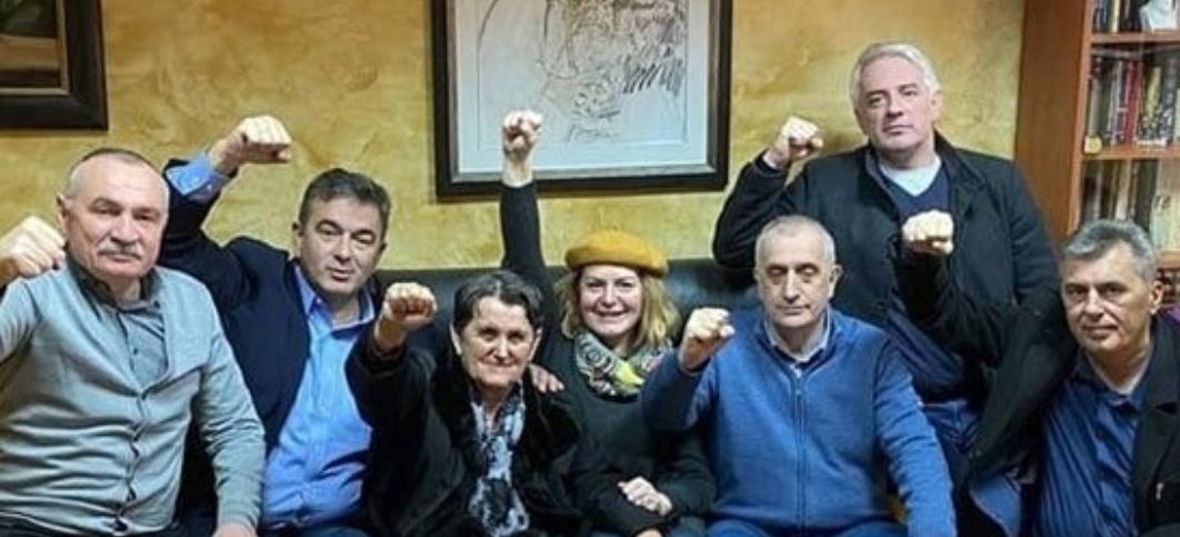 """""""Нема предаје"""": Мајка Милана Кнежевића на слободи, послала СНАЖНУ поруку"""