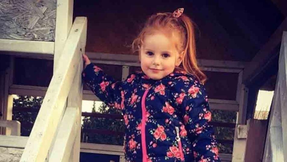 ХЕЛЕНА ИДЕ КУЋИ Дјевојчица која осваја осмијехом и риђим увојцима примила посљедњу терапију