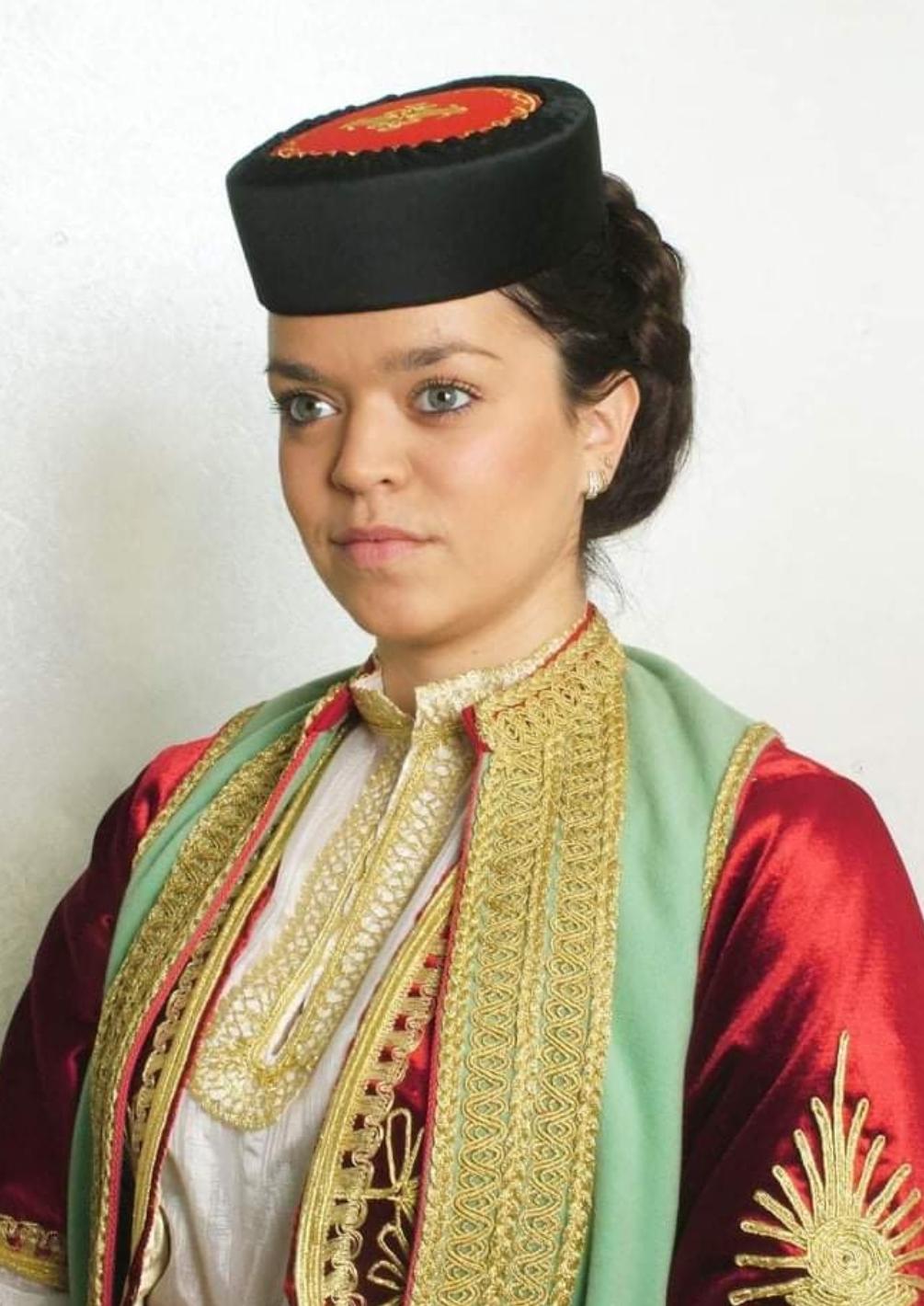 Александра Пешић: Пјесникиња чије пјесме носе родољубиви набој и снажни патриотски призвук.