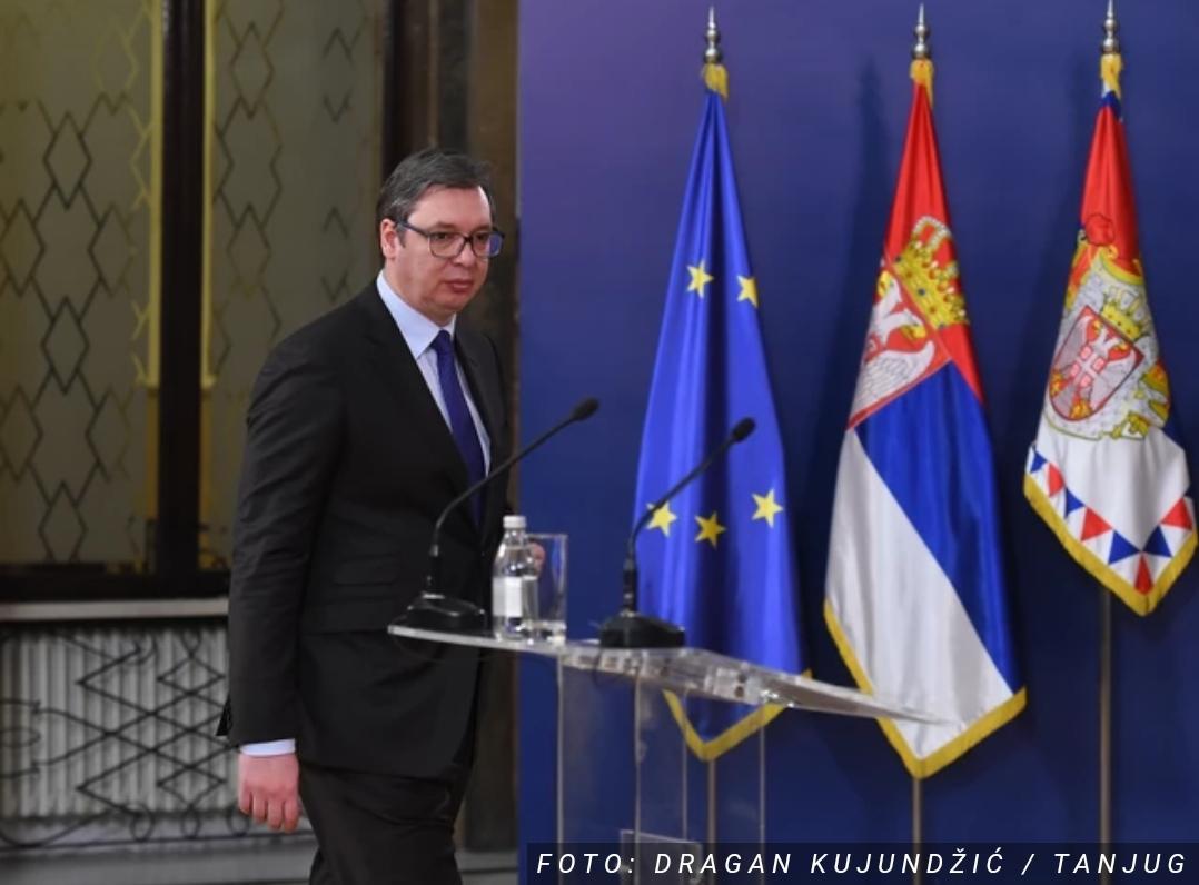 Проглашено ванредно стање у Србији!