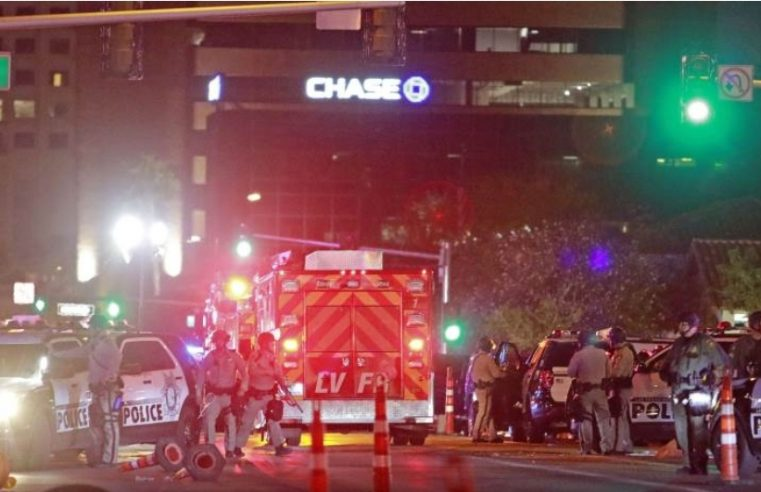 Хаос у Америци: Полицајац упуцан у главу у Лас Вегасу, полицајци рањени и у Сент Луису и Бафалу