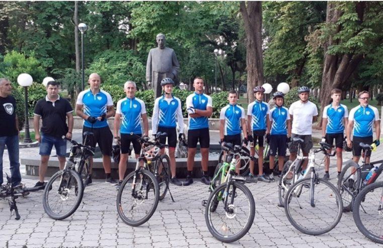ОД ХЕРЦЕГОВАЧКЕ ГРАЧАНИЦЕ ДО СТУДЕНИЦЕ: Требињци кренули на бициклистичко ходочашће у Србију