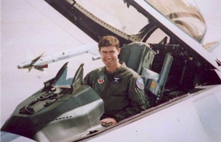 Амерички пилот којег су Срби оборили 1995. улази у Пентагон