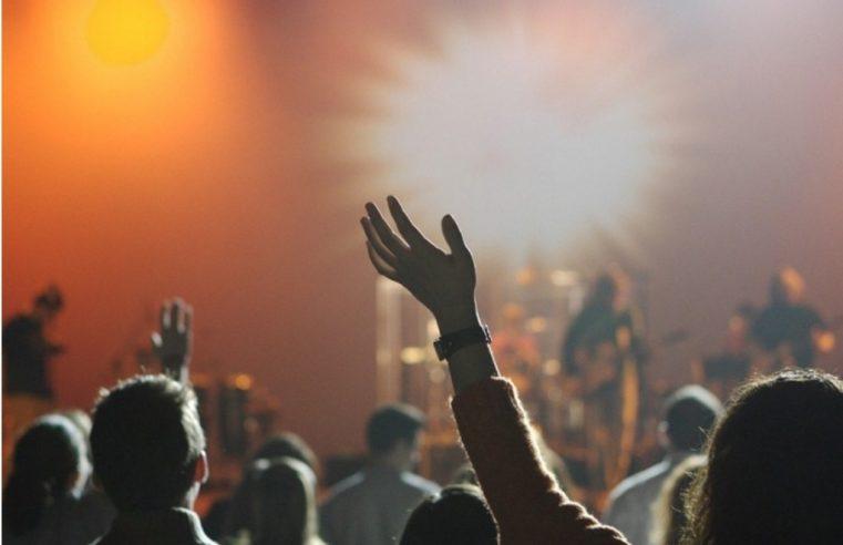Музика уживо да, али гости не смију пјевати и плесати