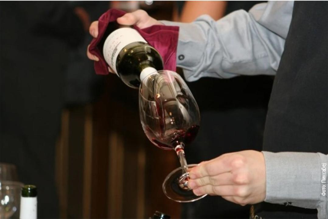 ДОКАЗАНО: Јефтина вина имају бољи укус ако им повећате цијену!