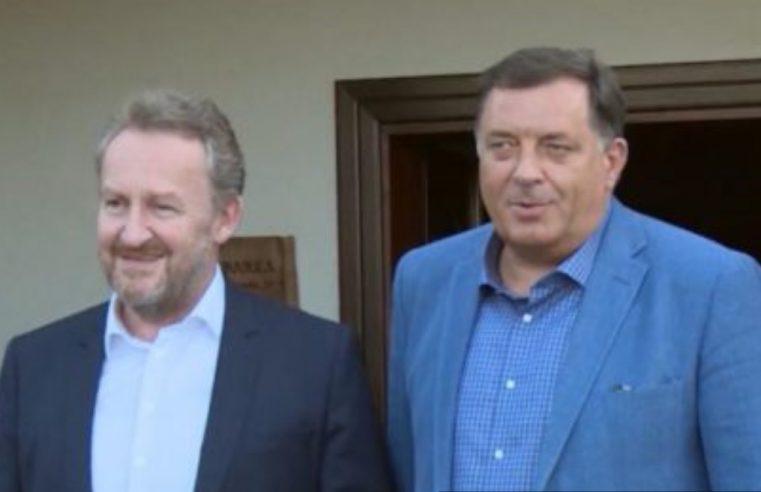 Након што су заједно смијенили српског министра, пред Додиком нови захтјеви СДА