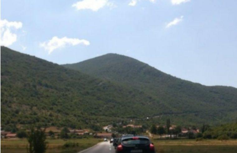 На граничном прелазу Зупци према Црној Гори чека се 4 сата