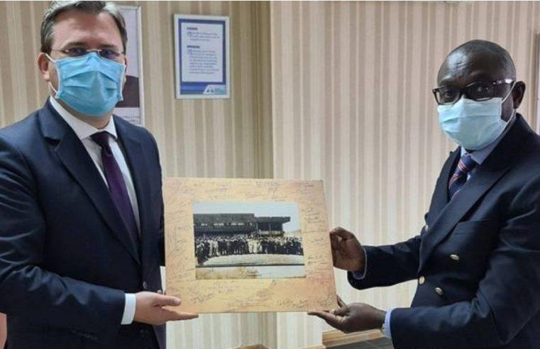 Србија поклања Замбији 50.000 доза вакцина